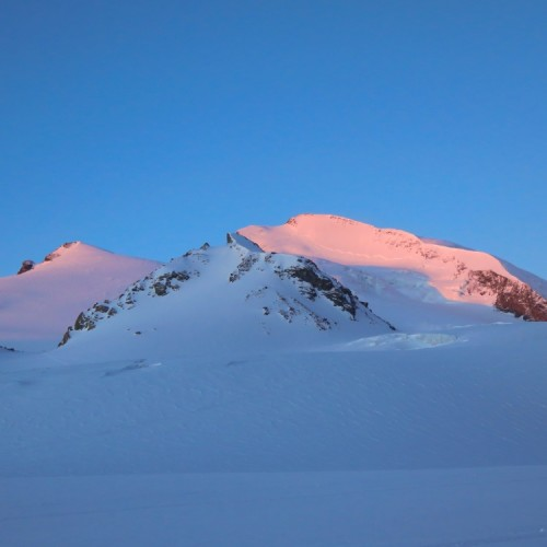 Strahlhorn (4190m)